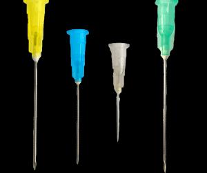 Injekciós tű és szárnyas tű steril